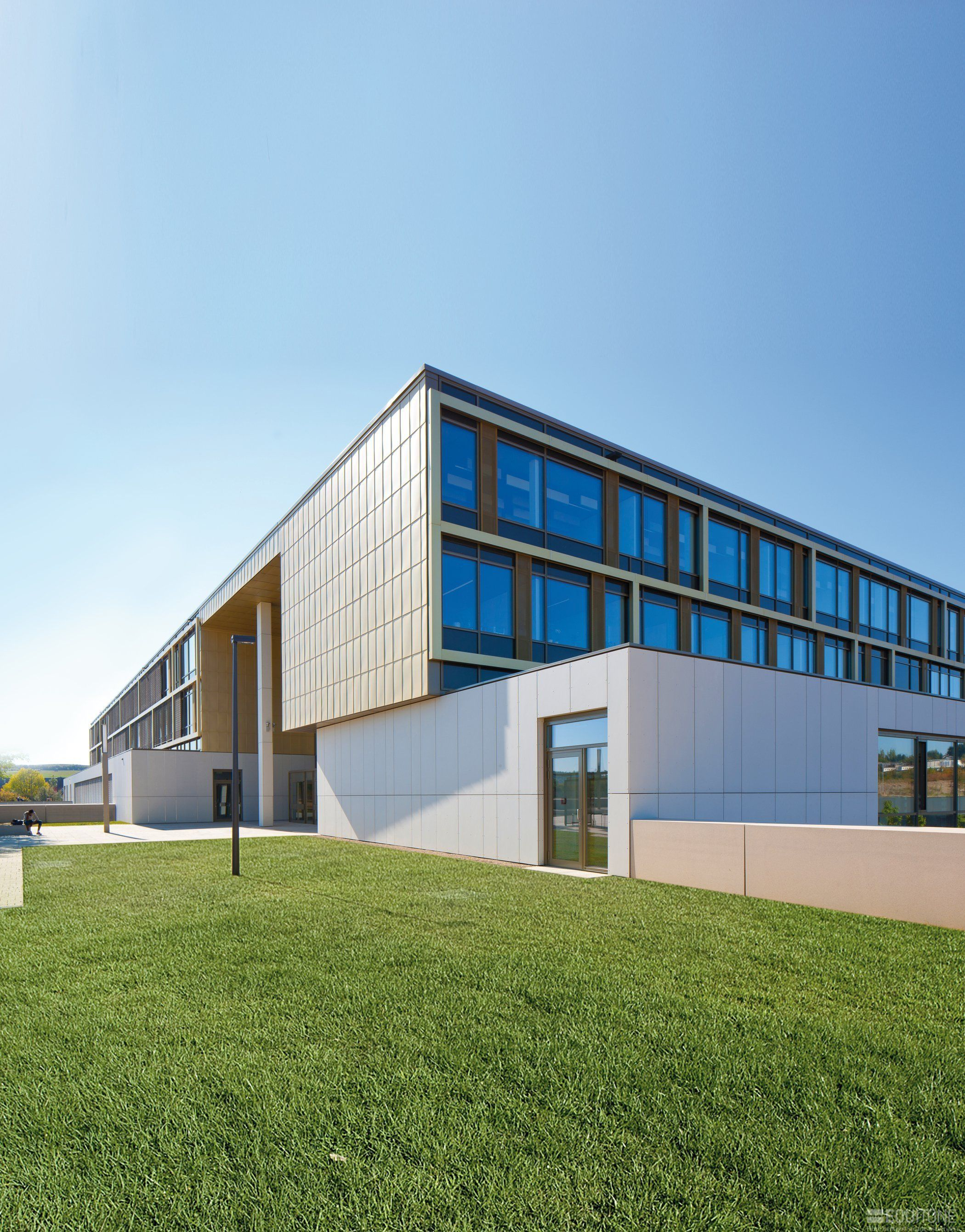 NATURA GD Luxembourg - Belvaux - school, EQUITONE [Natura]®